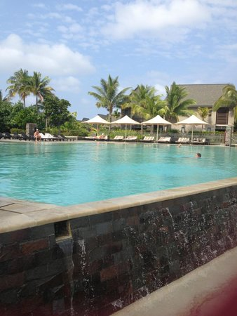 InterContinental Fiji Golf Resort & Spa: Infinity pool with freezing water