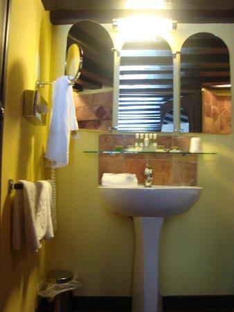 Le Grand Hotel de l'Abbaye : banheiro