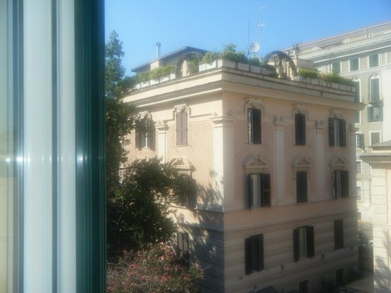 Hotel Donatello: View from bedroom window