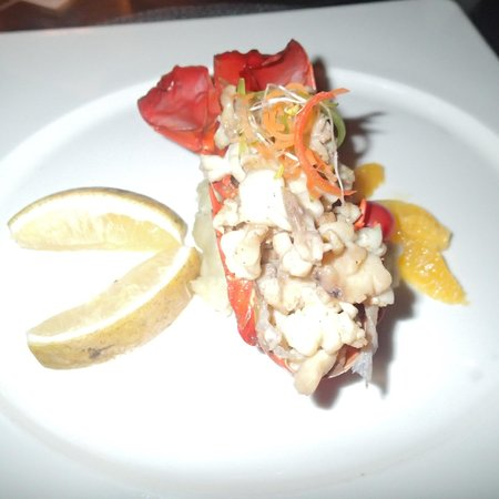 InterContinental Fiji Golf Resort & Spa: Fine dining at Navo, crayfish main