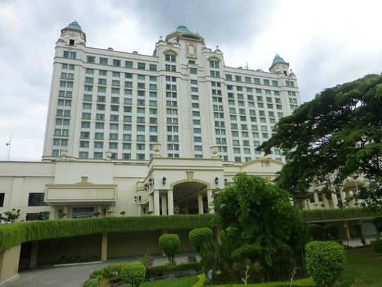 Waterfront Cebu City Hotel & Casino: Impresssive