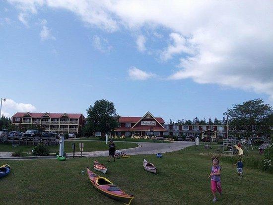 Rowleys Bay Resort : Resort