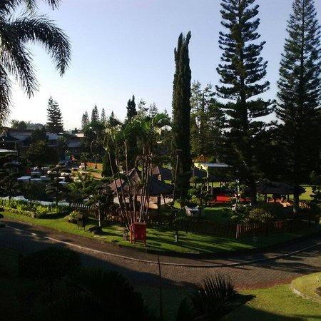 Purnama Hotel : Overlooking the garden from #6205