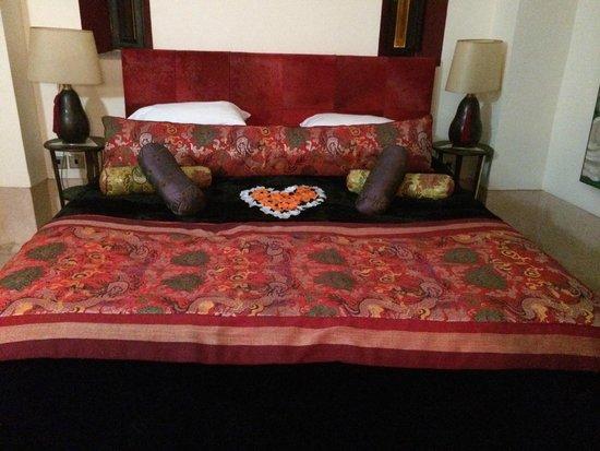 Dar Charkia: Beautiful Bed