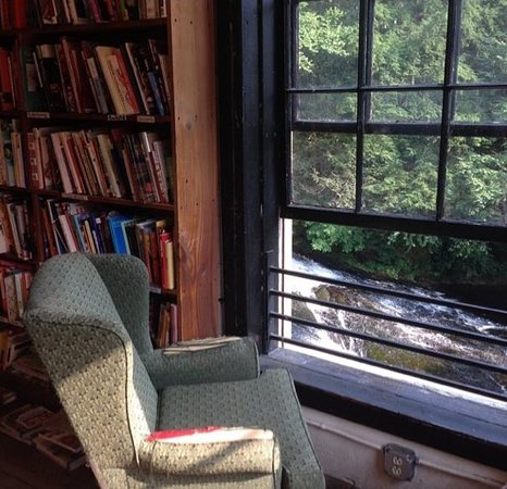Montague Bookmill: A view from the bookstore to the waterfall. Lots of great sitting areas.