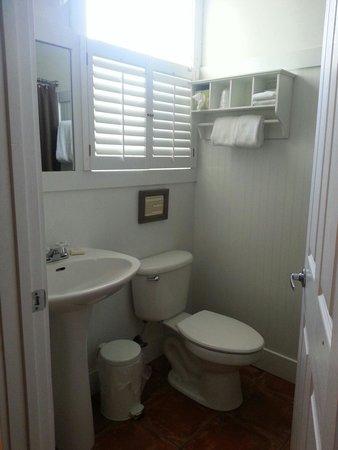 Cape San Blas Inn : Nice bathroom in Conch room