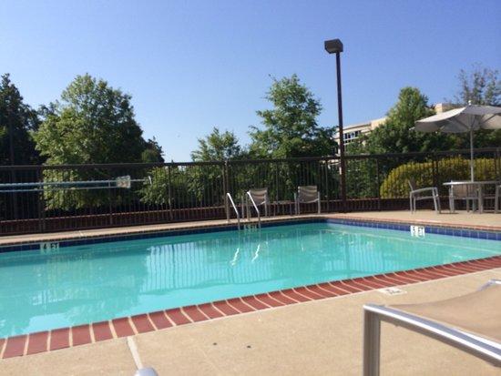 SpringHill Suites Atlanta Kennesaw: Hotel pool