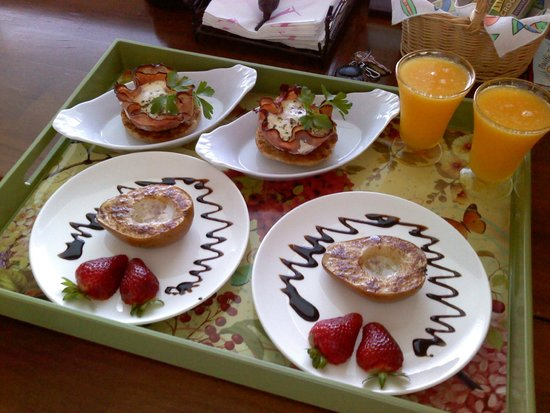 Ocean Mist Guesthouse: Superb breakfast at Ocean Mist B&B