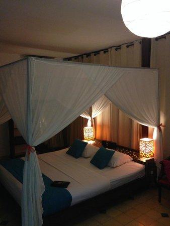 The Pavilion : Jacuzzi room inside