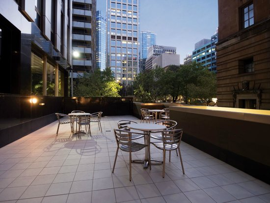 Oaks on Market: Hotel Outdoor Area