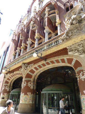 Palais de la Musique Catalane (Palau de la Musica Catalana) : Exterior of the building