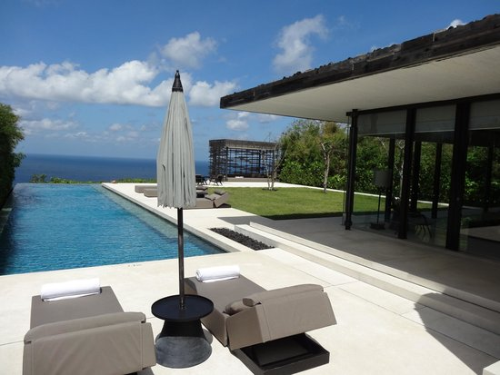 Alila Villas Uluwatu: Backyard of 3 bedroom villa