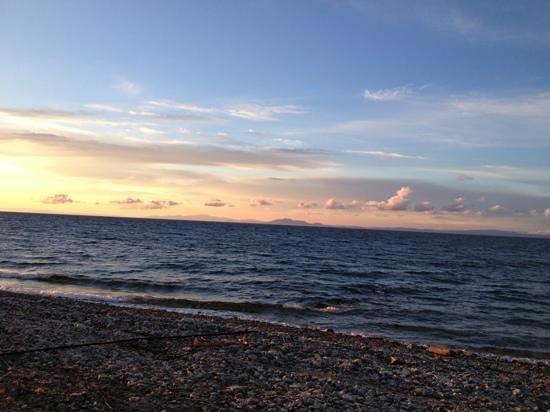 Archondissa Boutique Beach ApartHotel : Sunset on the beach