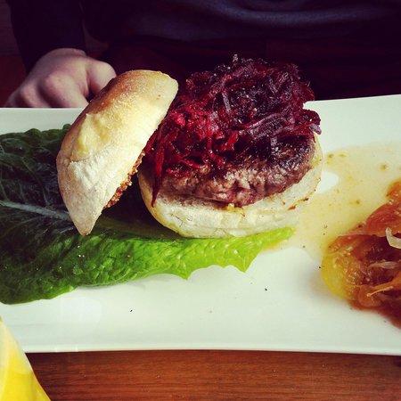 Environs Cafe: Wagu and beetroot burger