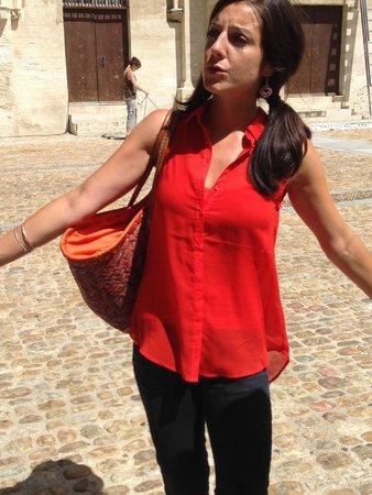 Avignon Gourmet Tour : well-educated, dramatic, charming Aurelie