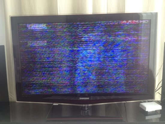 B-Lay Tong Phuket: Picture quality of TV in room