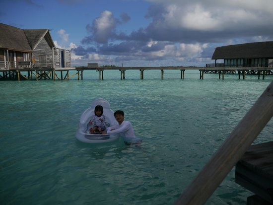 Cocoa Island by COMO : One Bedromm Villas陽台邊