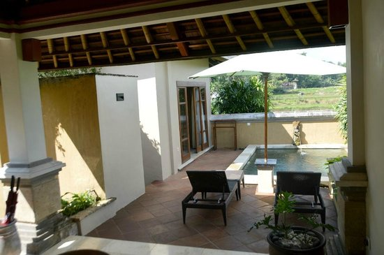 Villa Semana: view from outdoor living area