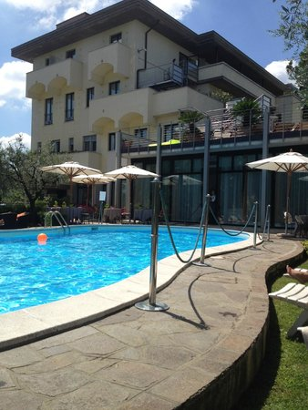 Hotel Piccola Vela: Pool