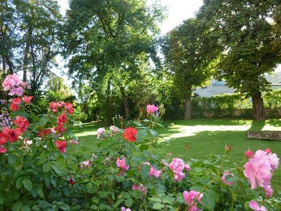 LES REMPARTS : garden
