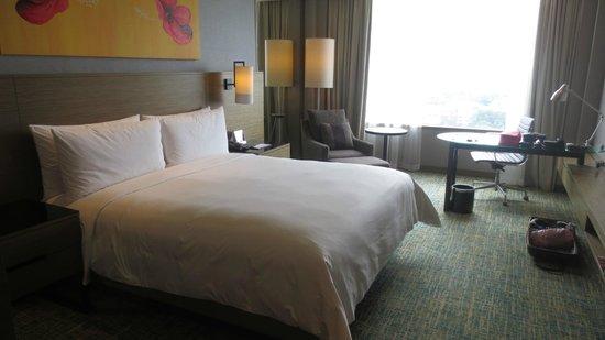 Renaissance Johor Bahru Hotel: King Bed
