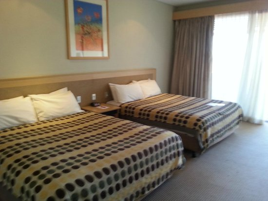 Desert Gardens Hotel, Ayers Rock Resort: Queen size beds