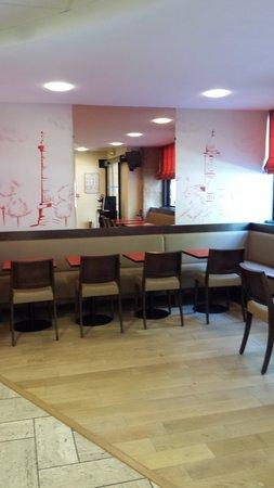 Hotel Jules Cesar: salle des petits déjeuners