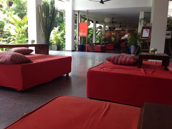 TeaHouse: Reception area
