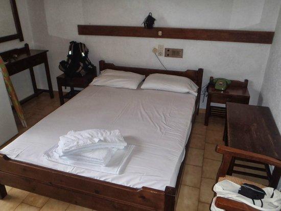 Paloma Garden Hotel : our room