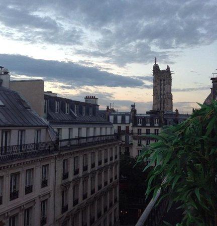 Hotel Louvre Rivoli: вид с балкона