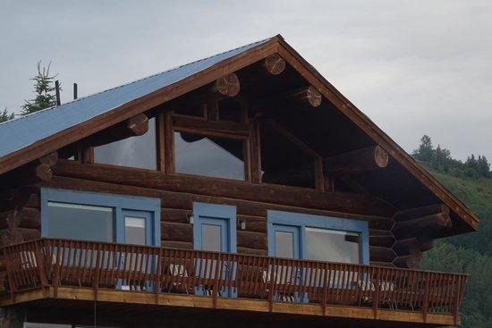 Good Karma Inn: Beautiful log home