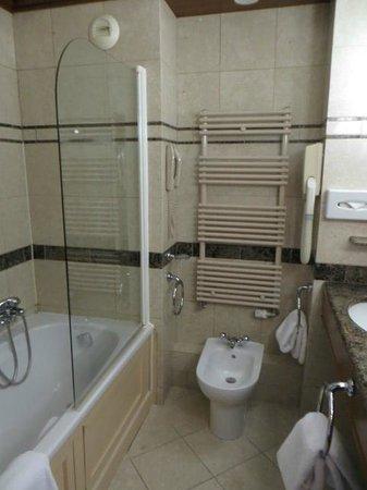 Domaine de Divonne : Bathroom