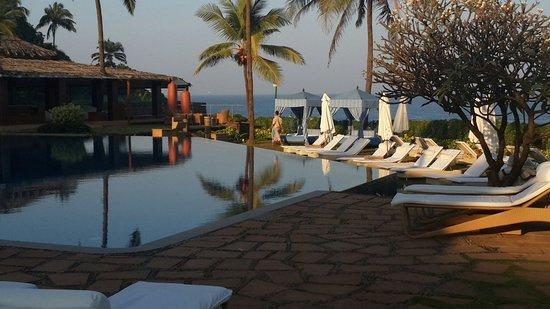 Vivanta by Taj - Fort Aguada, Goa : The view from pool area