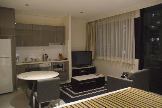 Meriton Suites Kent Street, Sydney: studio room
