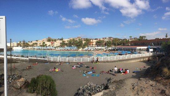 Alborada Beach Club: The hotel and pool