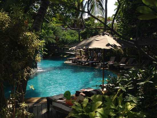 Padma Resort Legian : lagoon pool area
