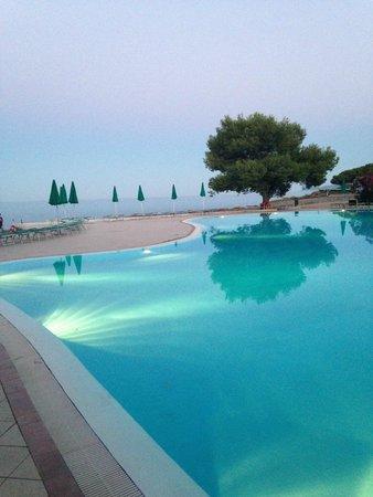 Club Hotel Marina Seada Beach : Piscina vista mare