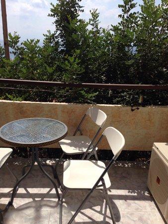 Elounda Water Park Residence: Grotty balcony room 80