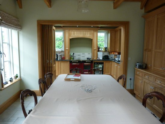 Mere Brook House: Kitchen Dining to help yourself