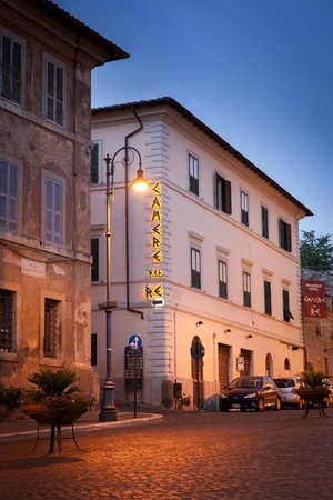 Camere del Re: Visuale dalla Piazza matteotti