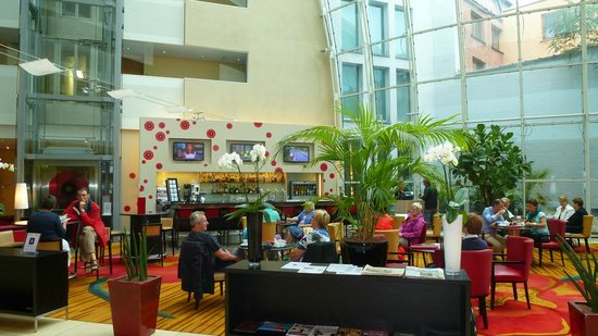 Ghent Marriott Hotel: Hall del hotel