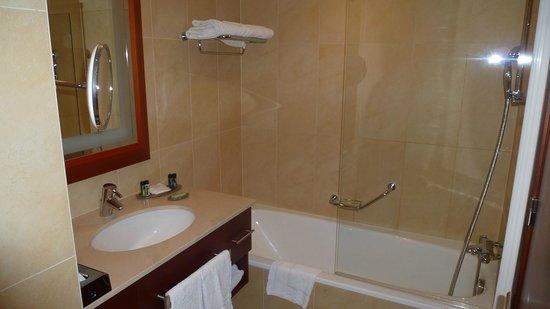 Ghent Marriott Hotel: Detalle del baño