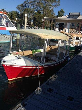 Malu Os Eco Boat Hire Noosa: Malu OS Eco Boat