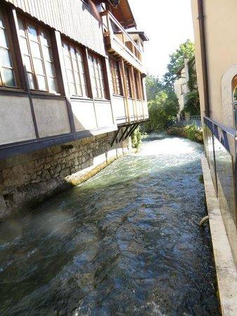 Citycenter picture of ville de divonne les bains for Piscine de divonne