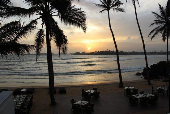 CoCo Bay Unawatuna: Al fresco dining