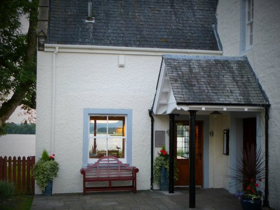 The Lake of Menteith Hotel: Entrance