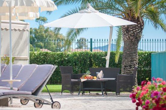 Hotel il Vascello: Relax in piscina