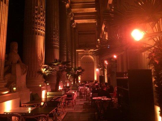 Le Mini Palais: The outside terrace