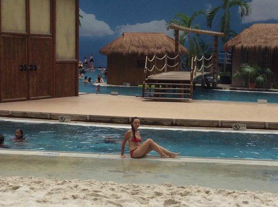 Tropical Islands Resort: тропический остров