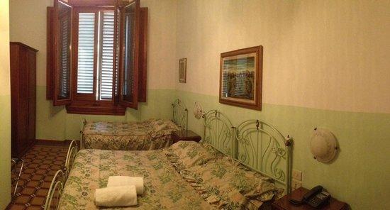 Hotel Desiree : Chambre